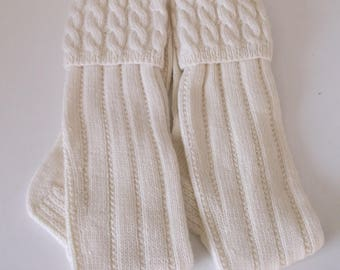 Men's hand knit kilt hose / socks with cable top in cream. UK 11, EU 45 1/2, US 12.