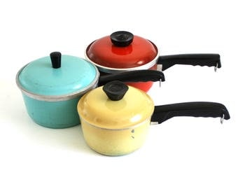Club Aluminum Cookware Turquoise, Poppy Red Orange, Gold Saucepans 1.5 Qt 1960s 1970s Kitchen (As-is)