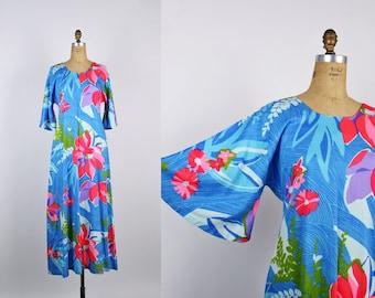 Vintage Hawaiian Dress / Caftan / Kaftan / Tunic Dress / Boho Maxi dress / Bohemian / Summer /  60s Hawaii Dress / Bell Sleeve / Size M/L
