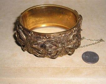 Vintage Etruscian Hinged Metal Bracelet 1950's Ornate Design Jewelry 11211