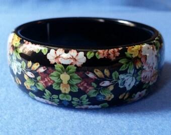 Vintage Floral Bangle Bracelet, black plastic bracelet with flowers, wide bangle, vintage bangle, vintage bracelet