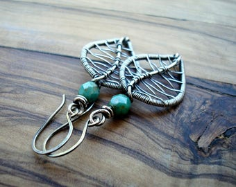 Sterling silver earrings - Leaf Earrings - Gardener gift - Wire Wrapped - Nature Jewelry - Leaf Jewellery - Green Earrings - Gift for her