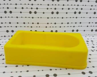 Eagle Toy Canada Bath tub Yellow  Bathroom fixtures Rare soft plastic