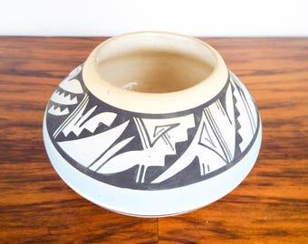 Vintage Signed Southwestern Mesa Verde Pottery Navajo Planter Bowl, Unique Blue & Black Native American Indian Home Decor Ideas, Kitchen Pot