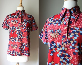 Vintage 1970s Pop Art Psychedelic Floral Abstract Polyester Top