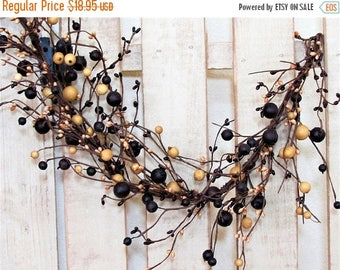 WREATH SALE Summer Berry Garland - Pip Berry Garland - Primitive Mulberry Garland - Primitive Country - Spring Garland - Farmhouse Decor