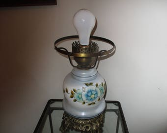 Vintage Electric Hurricane/GWTW Table Lamp