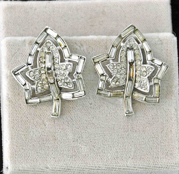 Vintage 1952 CROWN TRIFARI Alfred PHILIPPE Design Patent #166,347 Earrings Clear Baguette Rhinestone Pr Leaf Earrings Good Vintage Condition