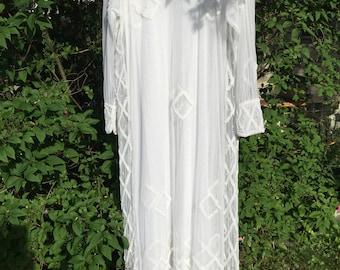 Vintage wedding dress, size 8, 60's /70's