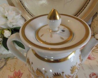 Antique French beautiful large teapot/coffee pot in Porcelain de Paris