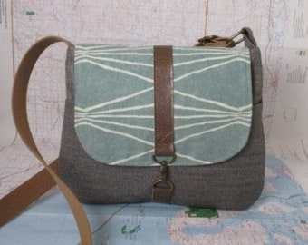 Colorado. Crossbody messenger bag - Southwestern purse - Tribal - Geometric - Vegan purse - Travel bag- Gray - Mint - Medium - Made to order