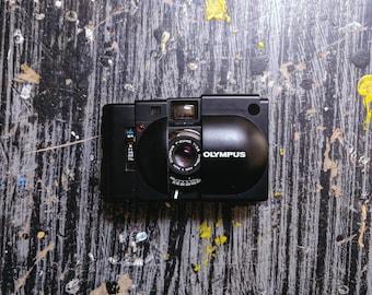 Olympus XA Compact 35mm Rangefinder with F-Zuiko 35mm f/2,8