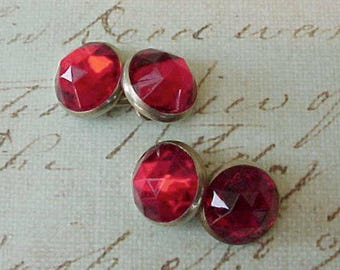 "Charming Vintage Cuff-Links with Crimson Faceted ""Jewels"""