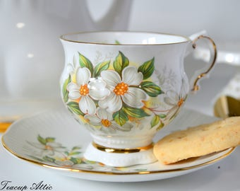 Elizabethan Vintage Teacup And Saucer With Dogwood Flowers, English Bone China Tea Cup Set, Tea Party Set, ca. 1970