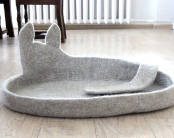 Dog bed, dog cave, wool felt dog sleeping place, gift for dog ready to ship size XL, pet bed, pet mat pad, stylish modern dog bed, gift pets
