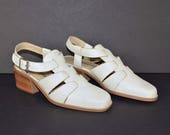 Vintage 90s Cream Leather Strappy Shoes, Chunky Wood Heel Slingback + Buckle, Mod Hipster Kawaii,  Made in Brazil Size  8.5