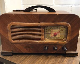 Vintage Philco Radio Upgraded to play your Modern Music - Excellent sound quality