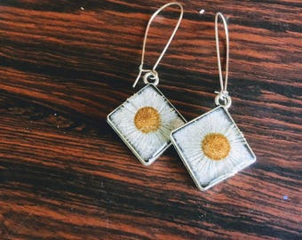 Silvertone, Preserved English Daisy Diamond Drop Earrings