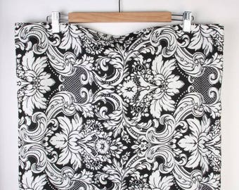 Tablecloth ,home decor  ,cotton ,eco friendly ,Black and White