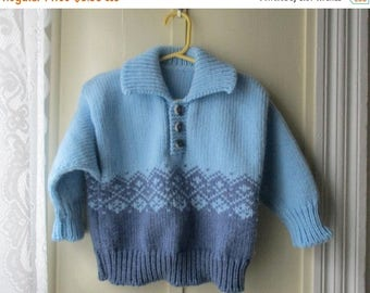 ON SALE Vintage sky blue pullover sweater / handknit chunky knit sweater / vintage knit jumper / Size 3T to 4T
