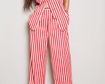 SALE! Was 265 -n 1990s// CAROLINA HERRERA// Red White Stripe// Vest Pant Set// usa// 8 M