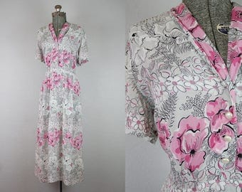 1940's Rayon Floral Dress in Grey and Pink / Size Large