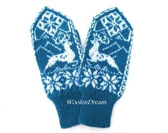 Merino wool mittens,wool mittens,warm winter glove,snowflake womens mittens,Scandinavian arm warmers,winter fashion accessory,Christmas gift
