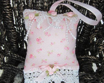 Lavender Sachet Pillow, Pillow Ornament, Cottage Chic Decor, Hanging Heart, Pink Roses Pillow. Shabby Chic