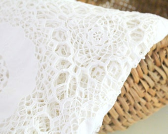 BOBBIN LACE TABLECLOTH, Exceptional Heirloom, Embroidered Design, Wedding Table, Victorian Table Cover, Movie Staging