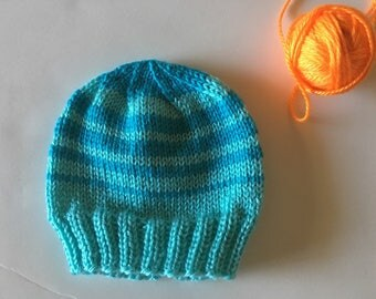 Hand knitted newborn baby hat.  Size 0-3 months old. Bring baby home. Baby shower gift