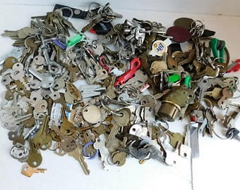 7 lb Lot of Vintage Keys Mixed Replacement Parts