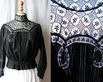 Antique Black blouse, tulle embroidered and small laces, cotton. 1900's restored.