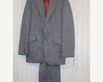 On Sale 50% OFF NWT Gray Vintage Men's Grand Entry Western Wear 3 PC Tailored Suit Jacket Blazer Coat Vest  Pant Size 38 Made in Usa