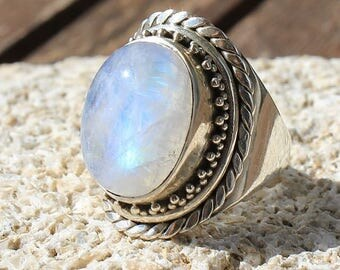 Ring Silver 925 and a Moonstone cabochon