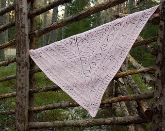 Hand knitted triangular lace shawl,Pink triangular lace shawl, Hand knitted triangular shawl, Women's lace shawl, Triangular scarf