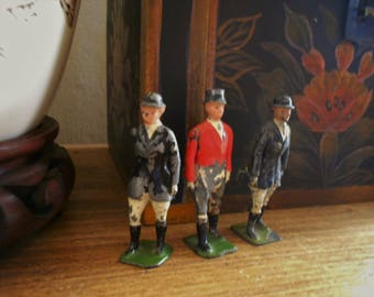 Vintage Britains Hunt toy figures lead soldiers Made in England huntsman huntswoman collectible old toys