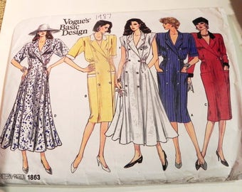"""1980s Double Breasted Wide Shoulders collared dress sewing pattern Vogue 1863 Size 8 10 12 Bust 31.5 32.5 34"""""""