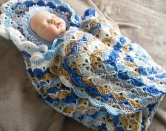 reads 86cmX86cm little crochet baby blanket