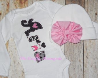 Baby Girl Coming Home Outfit, Personalized Girl Coming Home Outfit, Personalized Bodysuit, Optional Hat or Headband
