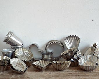 FRENCH BAKING PANS - vintage small tart pans, rustic tin molds, aluminium tartlet pans, French bakery