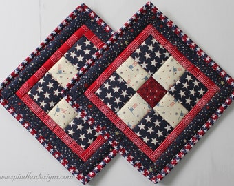 Quilted Patriotic Potholders, 4th of July Potholders, Quilted Patchwork Potholders, Potholders set of 2