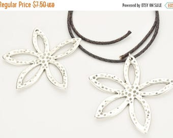 10% OFF Flower Pendant - Antique Silver - Statement Necklace Finding Qty.1