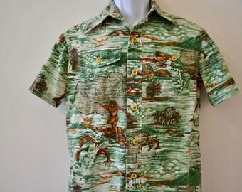 1970's Vintage Fisherman with Throwing Net, Seagulls, Jumping Fish Hawaiian Bark Cloth Tropical Shirt  Mens Small  Barkcloth Cotton Homemade