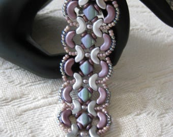Stunning Lavender and  Silver Arco, Silky, and Pearl Beaded Bracelet