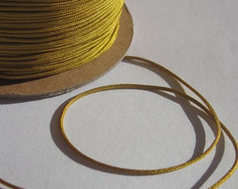 1 m of thread for jewelry, cotton and polyester 1 mm thick approximately (84)