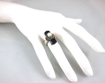"""Marcasite, 925 Sterling Silver, Black Onyx And Fresh Water Pearl Double Heart Size 5 1/2"""" Ring"""