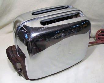 Vintage Restored Toastmaster B14 Toaster 936E