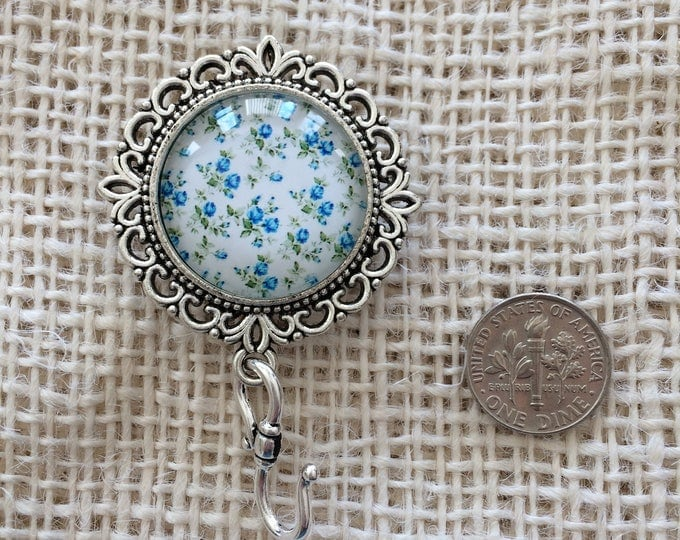 Knitting Pin - Magnetic Knitting Pin for Portuguese Knitting - Little Blue Roses