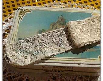 Original Antique French Chevron Lace Off White Cotton Sewing Project Collectible #sophieladydeparis
