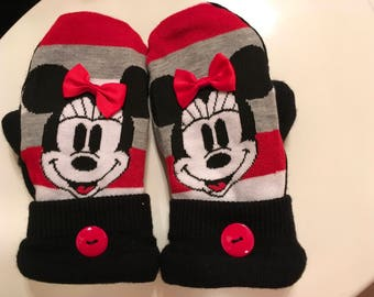Minnie Mouse mittens
